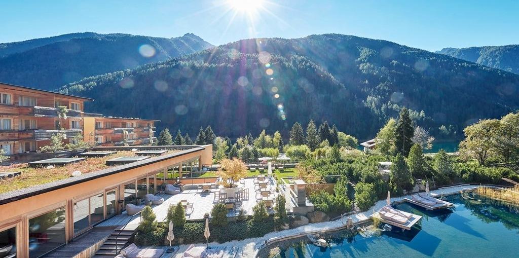 62% billiger Travlezoo 5 sterne Luxushotel of the world im top 20 Deal mit 6 Gang Menü und Wellness. Preis pp / 3 Tage