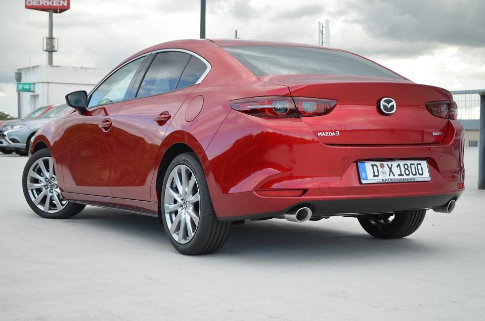 Vario-Finanzierung - Mazda Red Sale - Mazda 3 Fastback 2019 - 0% Finanzierung - keine Anzahlung - 48Mon Laufzeit