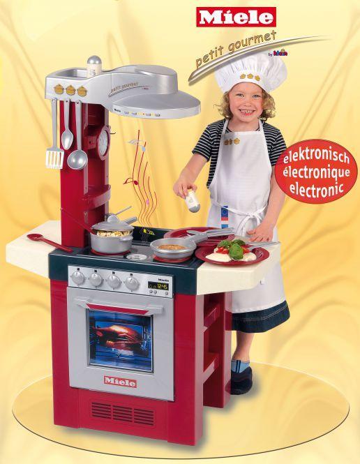 MIELE Spielküche Petit Gourmet Theo Klein, offline Rofu 29,99€, online Mifus 34,94€, ab 18.05.20