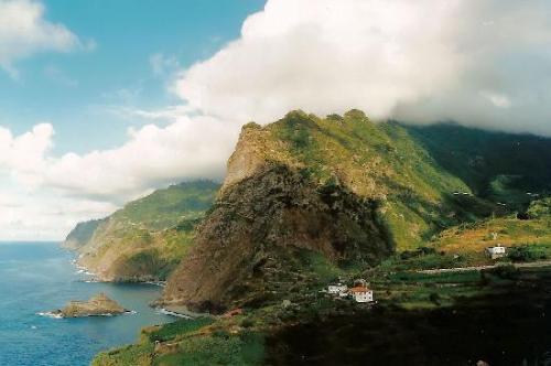 Reise: 14 Tage Madeira ab Köln (Flug, Mietwagen, 3*Hotel) 374,- € p.P. effektiv - nur Flug 149,- € (Januar)