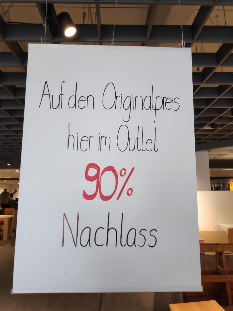 Lokal: Würselen - Ausverkauf von Möbel-Einzelstücken (90% Rabatt!)