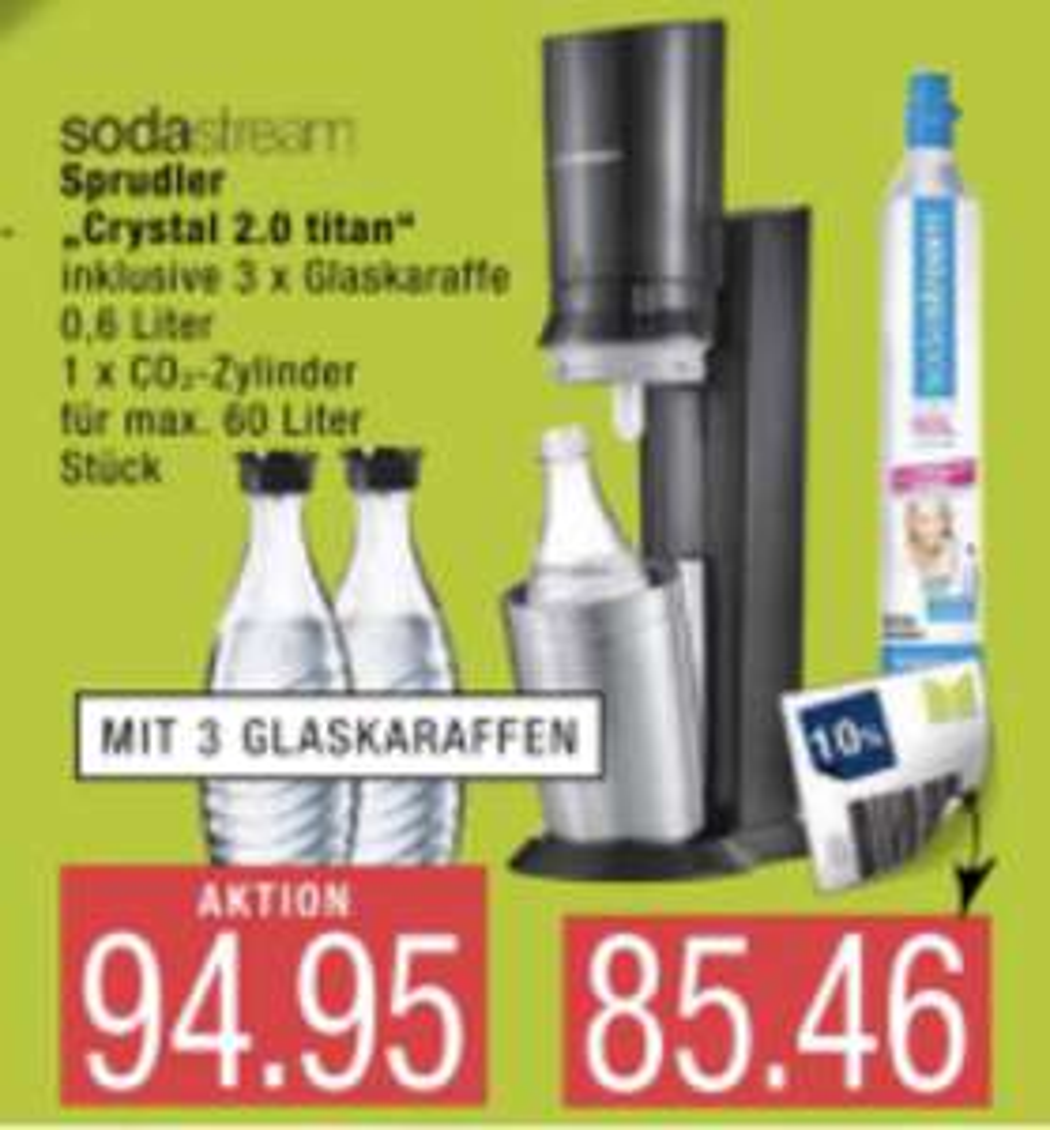 Lokal Mölln, Buxtehude, Wismar: SodaStream Crystal 2.0 titan + 3 Glaskaraffen Megapack für 85,46€ / PEPSI usw. Getränke Konzentrat für 3,33€