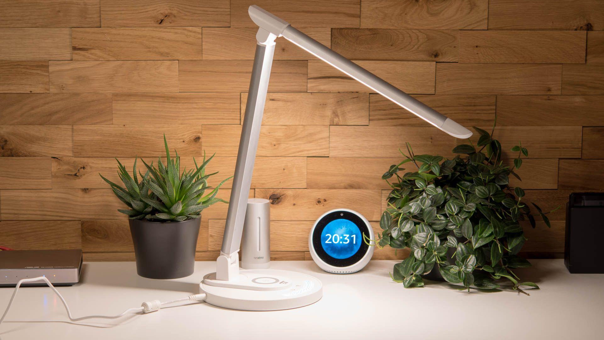 TaoTronics TT-DL036: Schreibtischlampe LED 12W mit kabelloser Ladestation, 7.5W Schnellladegerät kompatibel mit allen Qi-fähigen Geräte