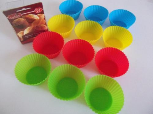 12x Muffinbackformen aus Silikon für nur 6,99 EUR inkl. Versand