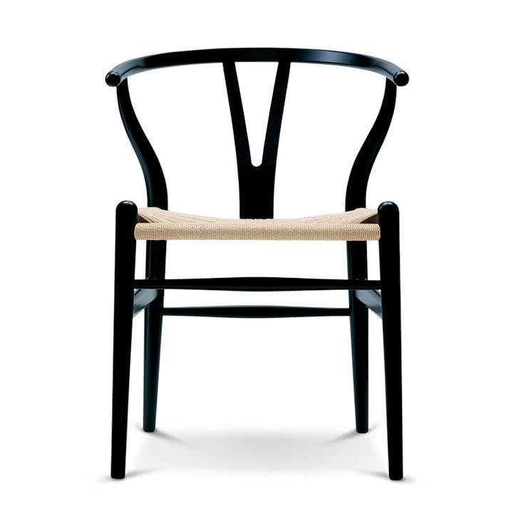 Wishbone Chair (Carl Hansen CH24) von Hans Wegner in Eiche, schwarz lackiert [Connox]