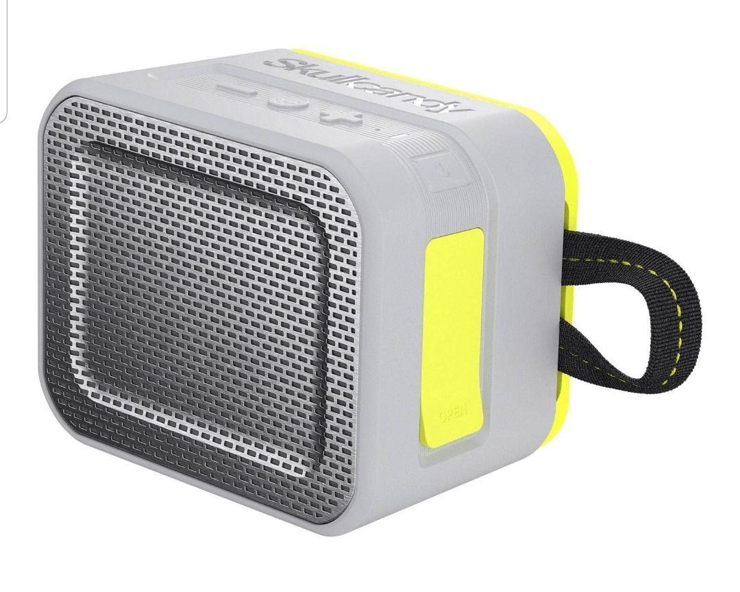 Skullcandy Barricade | BT-Lautsprecher | stoßfest & wasserdicht (IPX7) | schwimmfähig | Ladefunktion | Outdoor Lautsprecher |