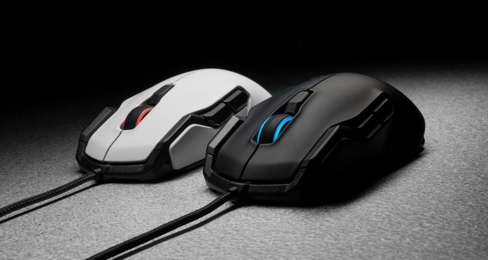 Amazon - Roccat Kova Aimo Gaming Maus - 42% Rabatt - 25€ Ersparniss - schwarz oder weiß