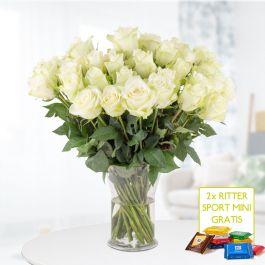 40 weiße Rosen (Art: Athena-Rose, Stiellänge: ca 40cm) + 2 Ritter Sport Mini für 24,90€