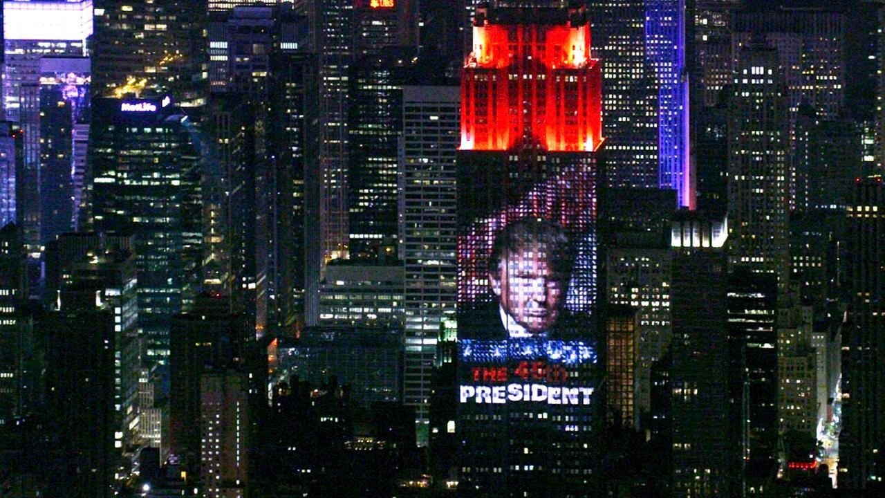 Fahrenheit 11/9 von Michael Moore wieder kostenlos im Stream / zum Download