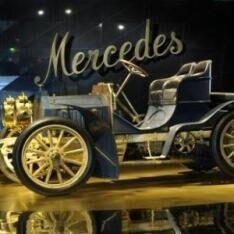Heute Hitzefrei im Mercedes-Benz Museum Stuttgart: Freier Eintritt für ALLE