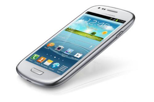Samsung I8190 Galaxy S3 mini 8 GB im Vertrag mit o2 Blue XS für insgesamt 239,76 Euro