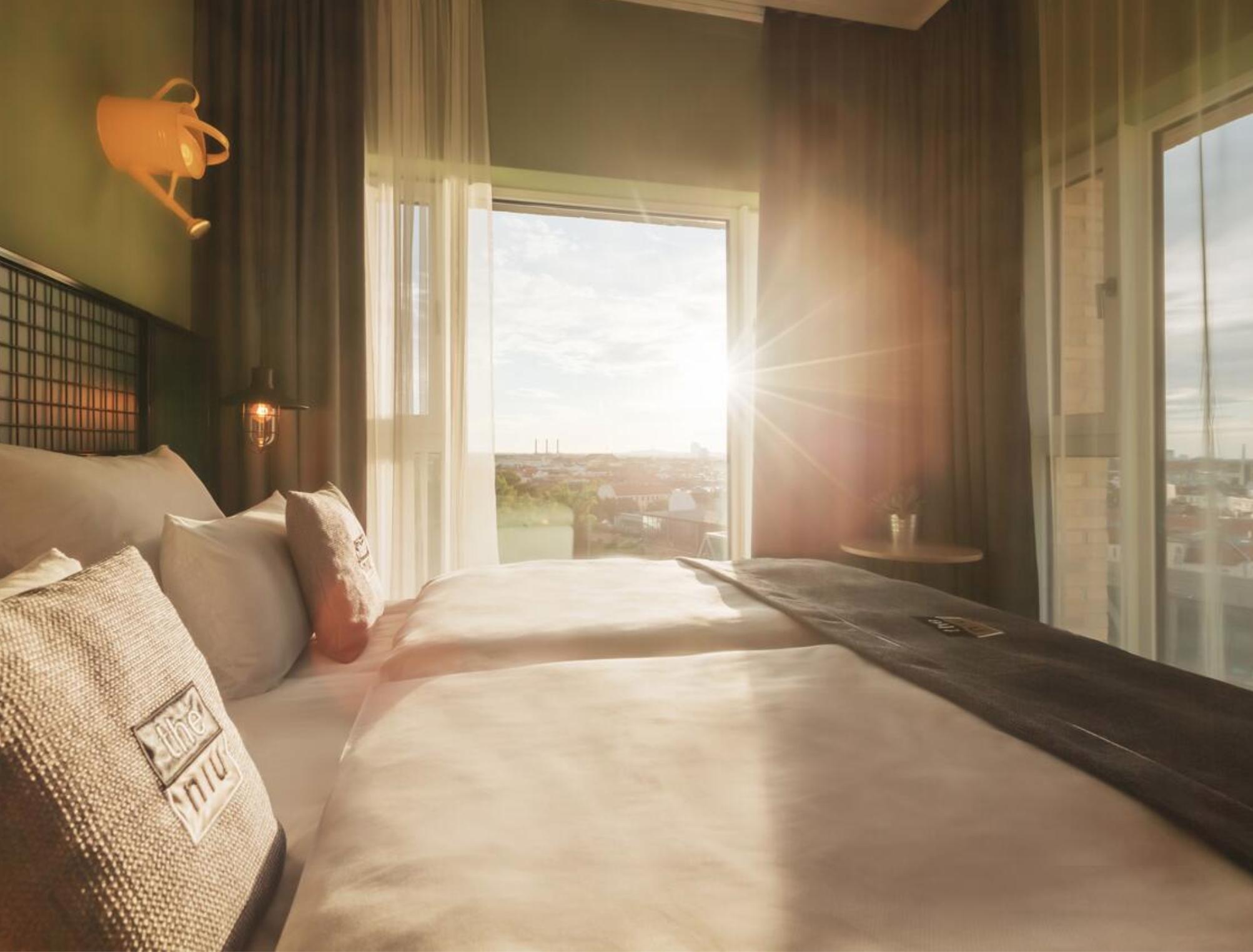 Berlin: neues the niu Dwarf Hotel - Doppelzimmer inkl. Frühstücksbox / gratis Storno / August 50€ / September - Januar 54€
