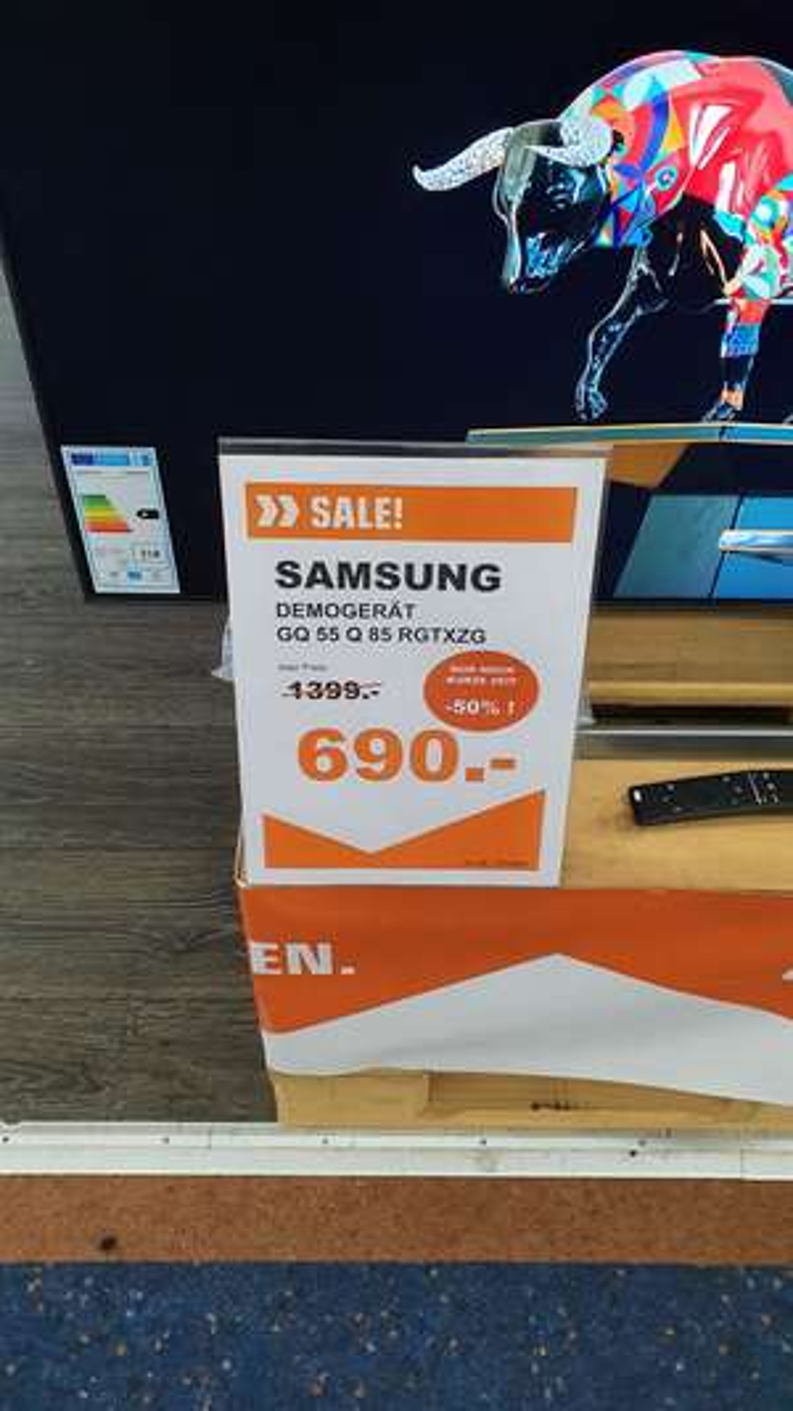 [Lokal Berlin] QLED Fernseher Demogeräte: Samsung 55 Q 85 rgtxzg (Alexanderplatz Saturn)