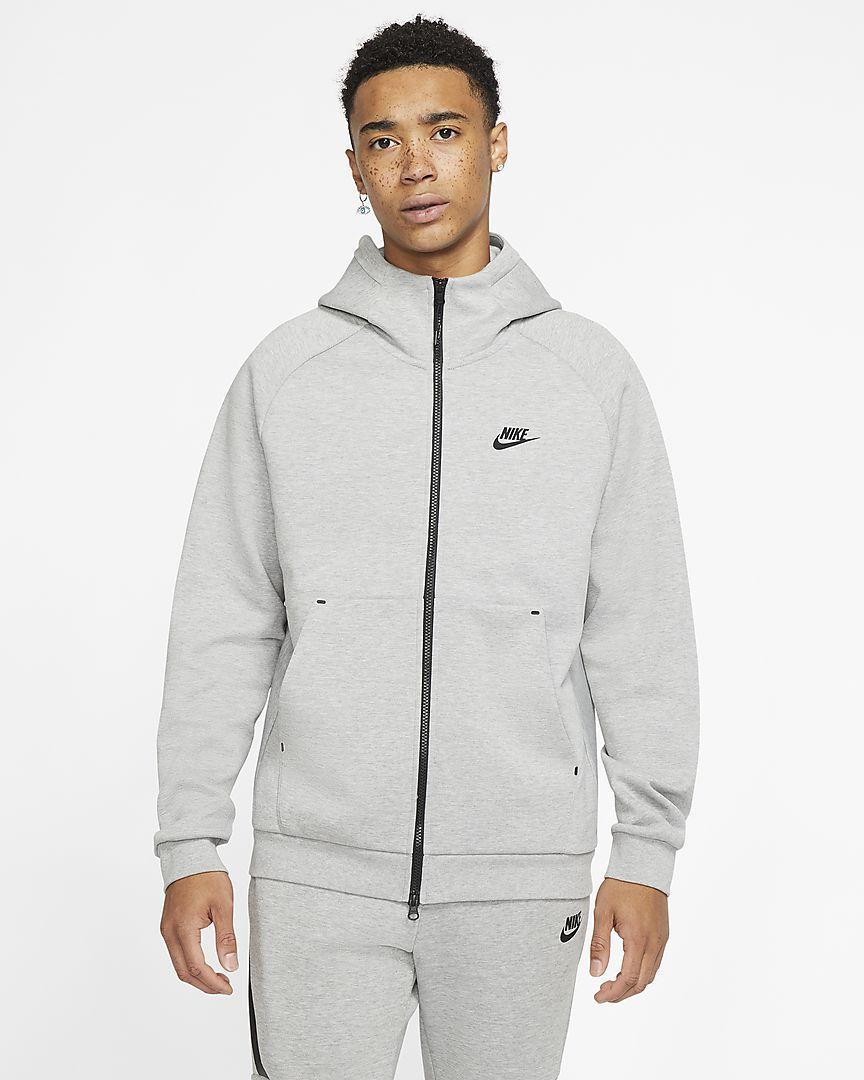 Nike Sportswear Hoodie in verschiedenen Farben mit 50% Rabatt