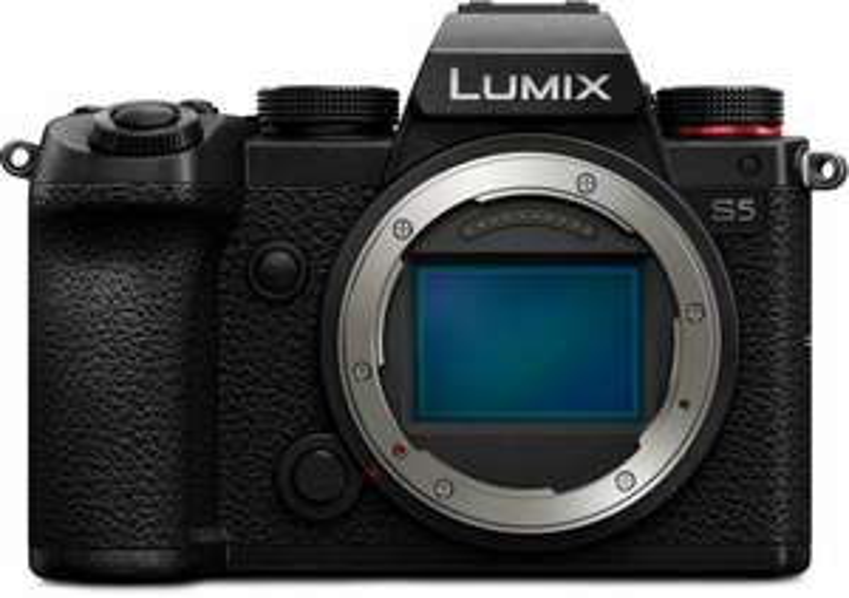 Panasonic Lumix S5 Body inklusive gratis Sigma AF 45mm f2.8 Objektiv