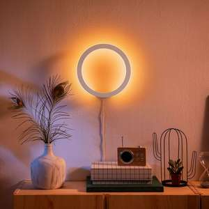 Philips Hue White and Color Sana Wandleuchte 1500 Lumen