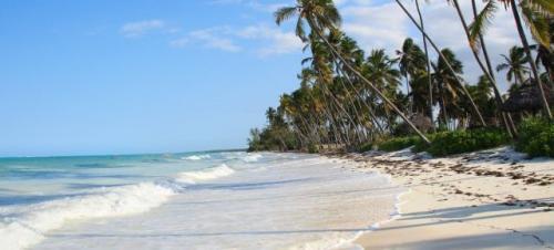 Kreuzfahrt von Martinique nach Genua (15 Nächte) für 239 € + Serviceentgelt , mit Flug von Paris für insgesamt 880 €