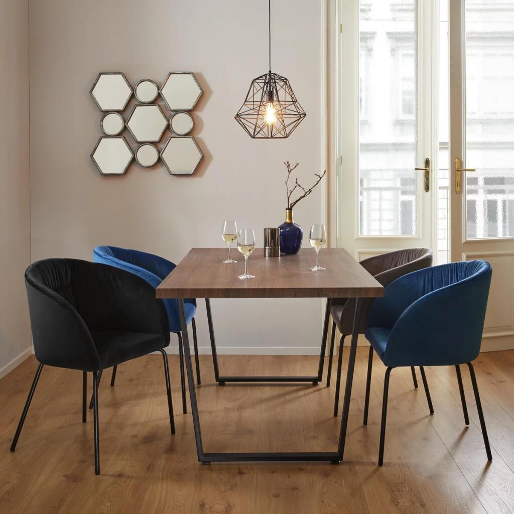 Tisch 160x90 cm mit Metallbeinen [Mömax Abholung]