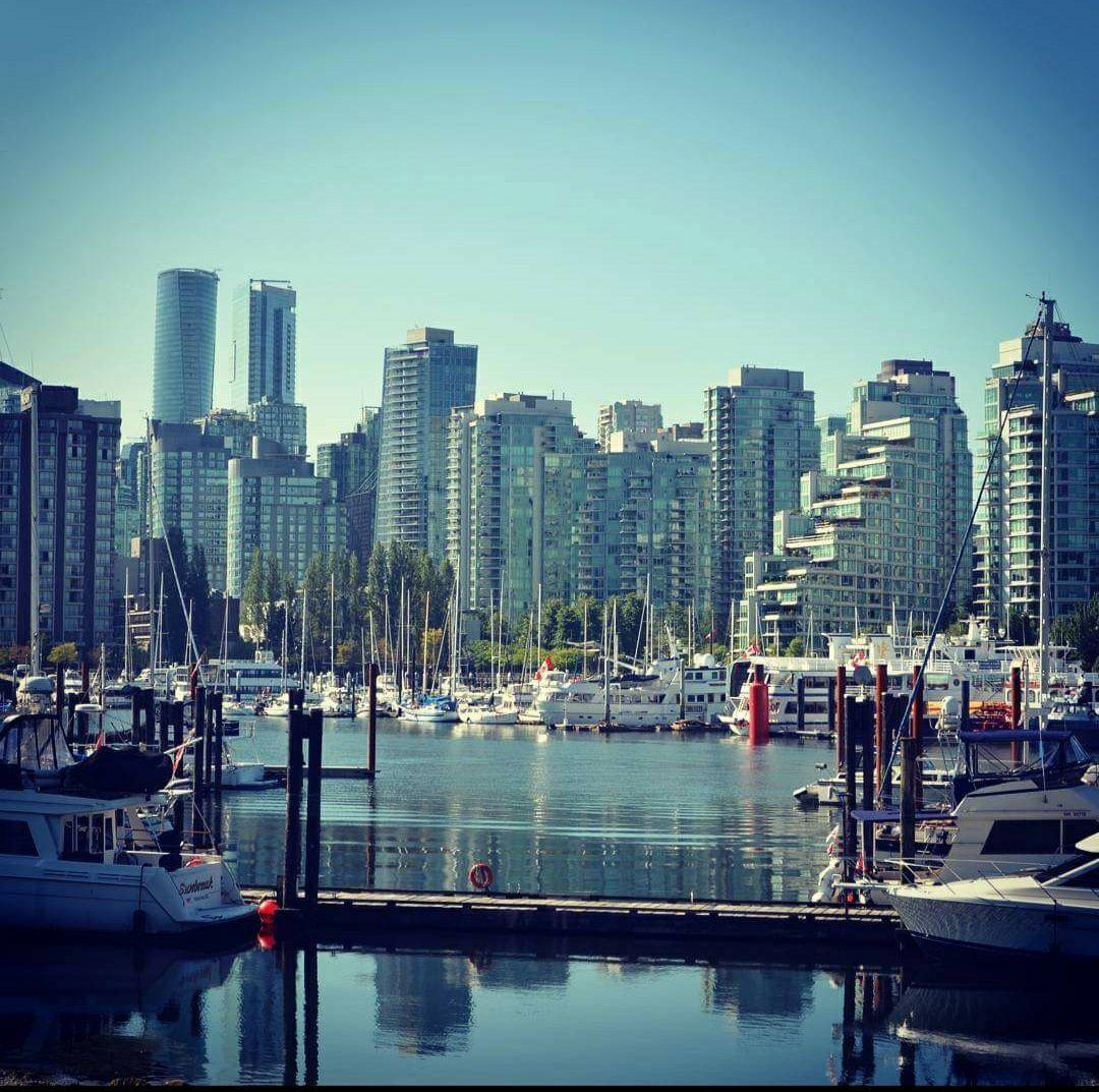Flüge nach Vancouver im Sommer 2021 ab Amsterdam mit Gepäck
