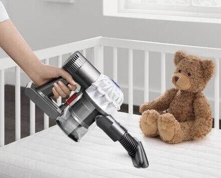 Dyson V6 Baby + Child Akkusauger Kabelloser Handstaubsauger Zubehör Neuware für 125€ inkl. Versandkosten