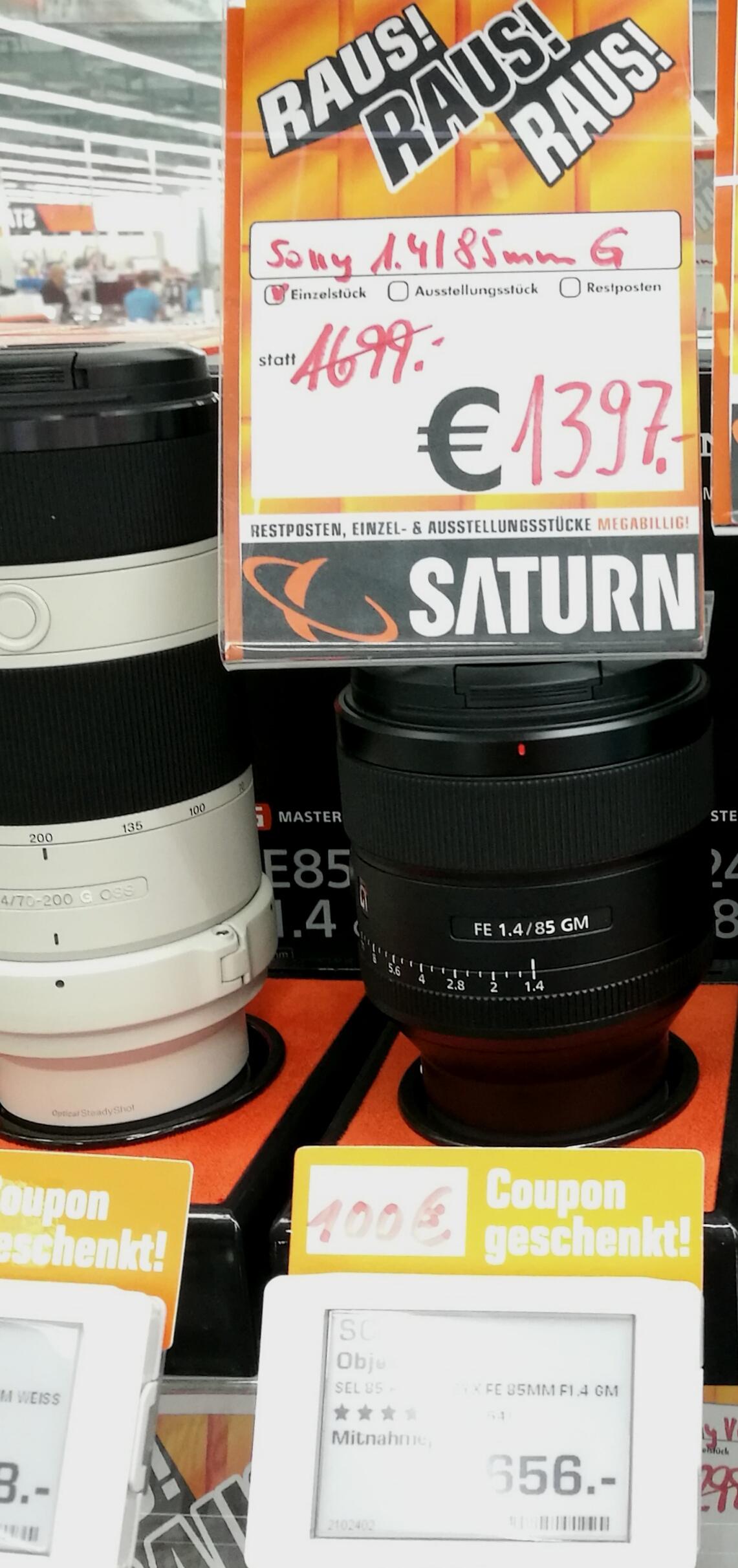 Objektiv SONY GMaster 85mm/f1,4 - Vitrinenstück im Saturn Essen Limbecker Platz - 1397€ + 100€ Saturn-Geschenkcoupon