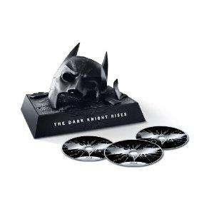 The Dark Knight Rises: Limited Edition Bat Cowl (Blu-ray/DVD Combo+UltraViolet Digital Copy) für ca. 34,50 EUR inkl. Versand ENGLISCH@Amazon.com