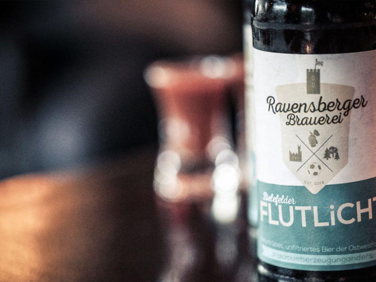 [Lokal Bielefeld] Zahle soviel du willst für den Kasten Flutlicht Bier. Erlös kommt der Aufforstung des Teutoburger Waldes zugute
