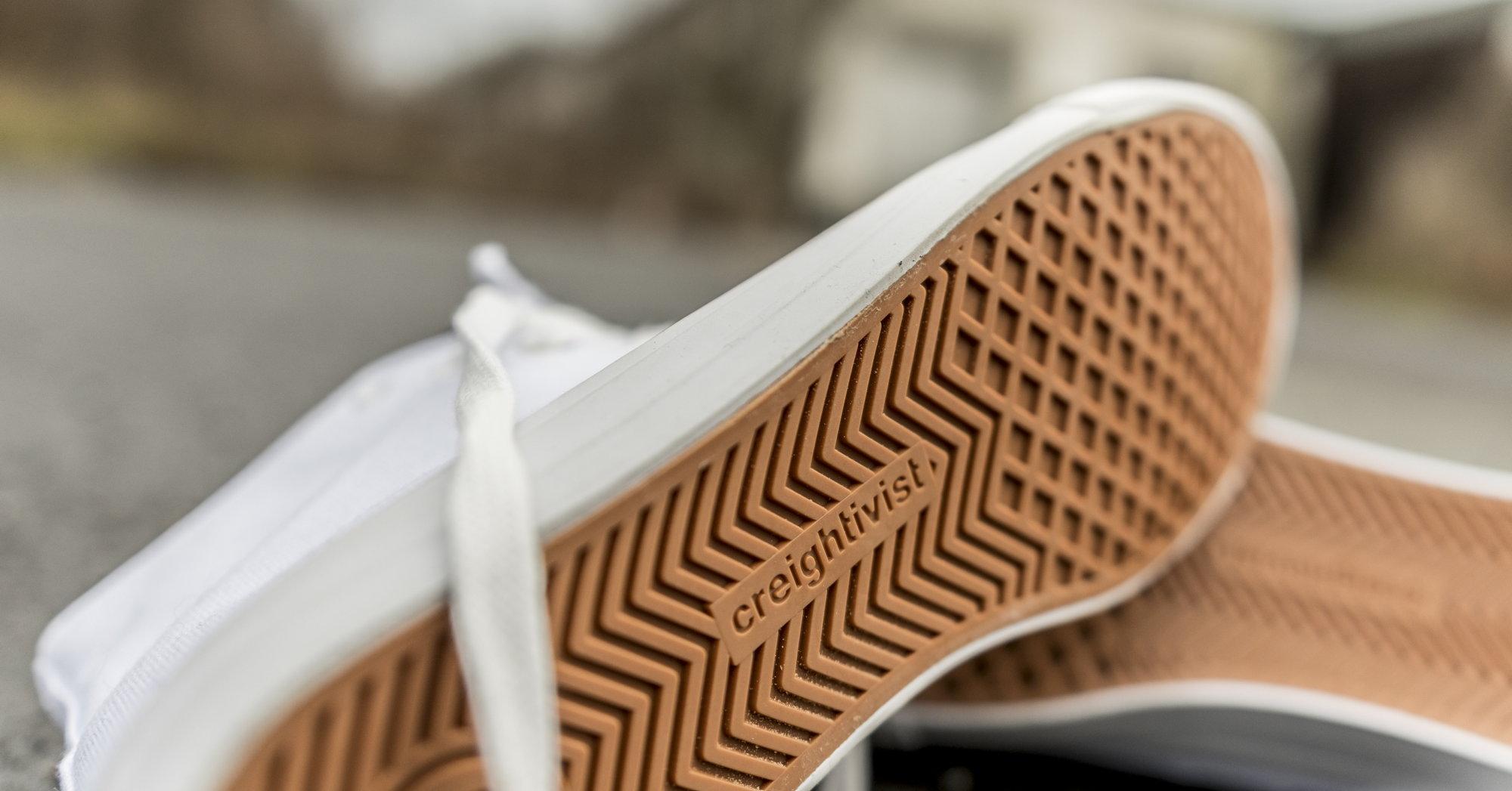 [Creightivist] Sneaker + Oberteil (z.B. T-Shirt) bestellen und bedrucken/gestalten lassen   20 € Gutschein erhalten
