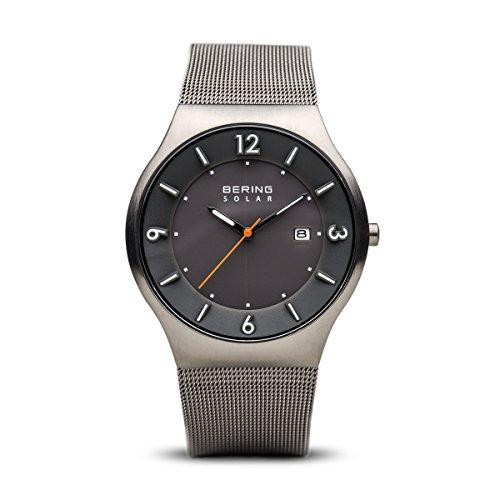 Bering Herren Analog Solar Uhr mit Edelstahl Armband