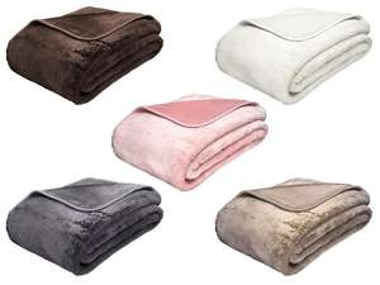 GÖZZE Kuscheldecke ( Kissen auch verfügbar)- bis heute Versandkostenfrei ab 59€