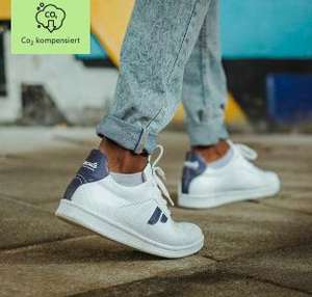 Sale bei Paprcuts (nachhaltig & CO2 kompensierte Sneakers und Accessoires), z.B. Sneakers 'Recreate'