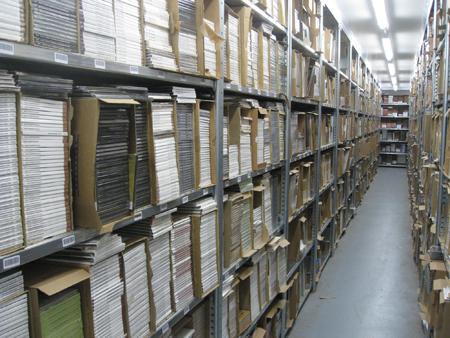 Mindestens 200 Musik-CDs für nur 49,99 EUR inkl. Versand! [RESTPOSTEN]