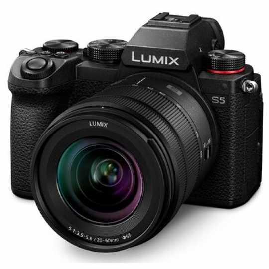 Panasonic Lumix DC-S5 Systemkamera + Lumix S 20-60mm F3,5-5,6 Objektiv (Vorbestellung)