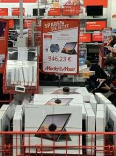 Media Markt Leipzig Höfe am Brühl Surface Pro 7 i5/256GB/8Ram inkl. Type Cover und Microsoft 365 Family