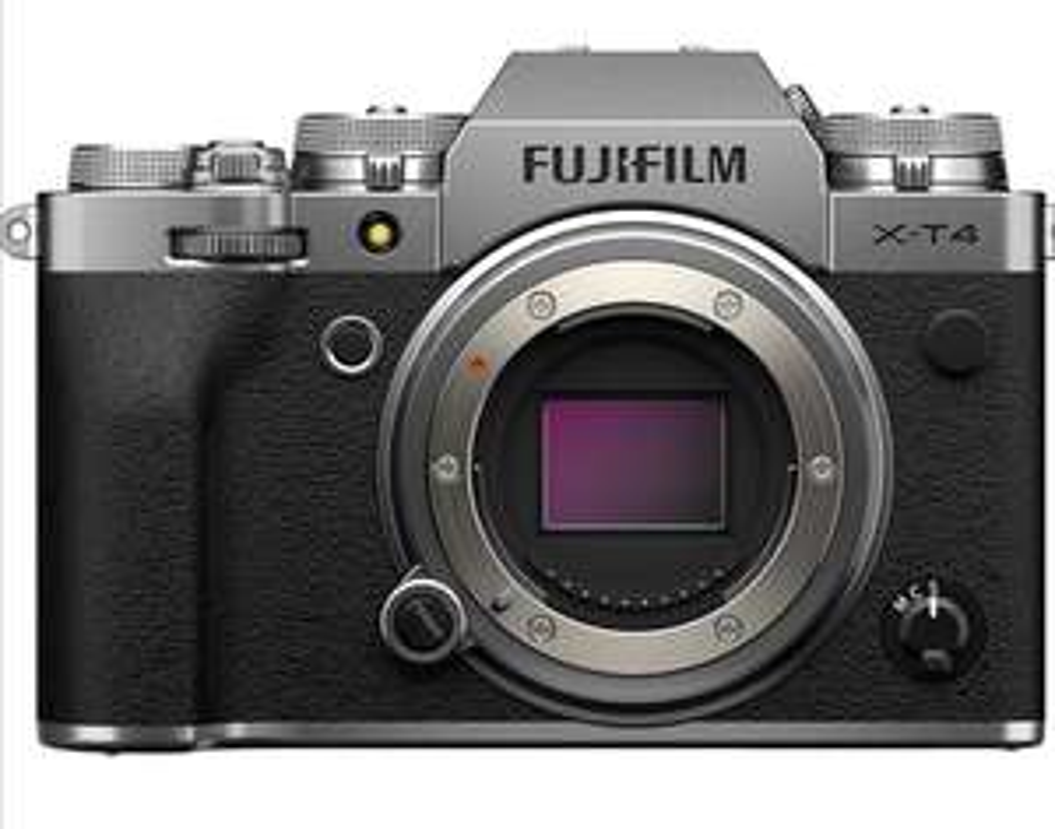FUJIFILM X-T4 Systemkamera (26,1 Megapixel, X-Trans CMOS 4 Sensor, 7,6 cm (3 Zoll) Touch-LCD), silber