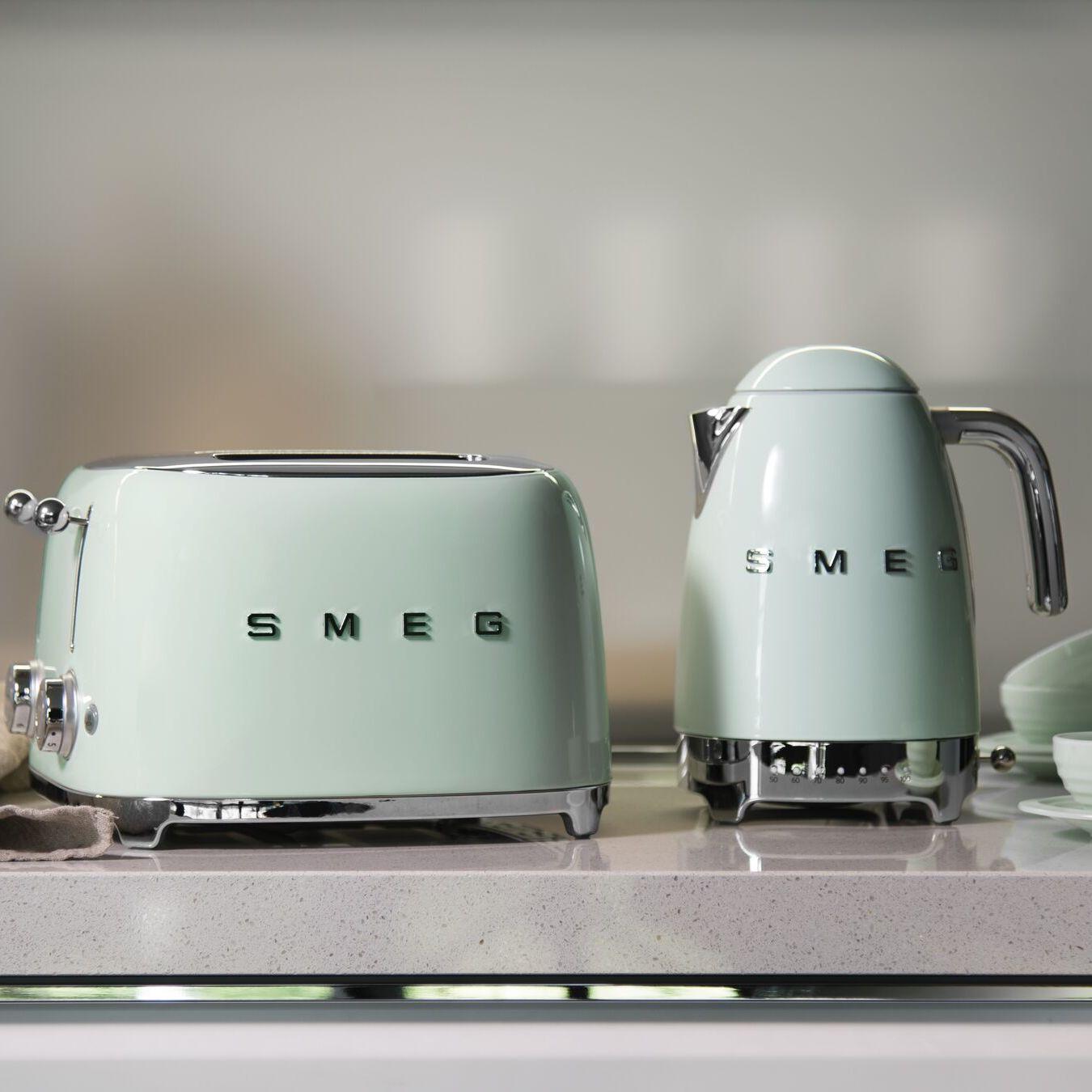 Küchengeräte in mint & anderen Farben: SMEG Wasserkocher und Toaster für je 110,25€ inkl. Versand