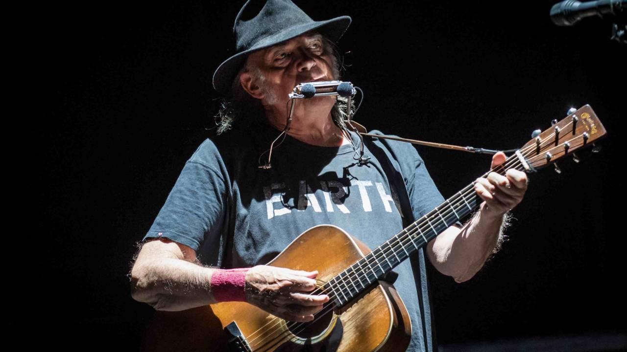 """Neil Young: Musikarchiv für Rest des Jahres kostenlos (Film: """"Timeless Orpheum"""" ebenfalls kostenlos)"""