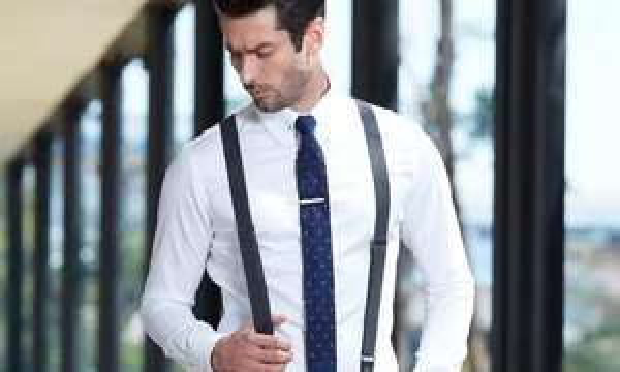 Maßgeschneidertes Hemd in Weiß oder Anzug (152€) in Schwarz von iTailor