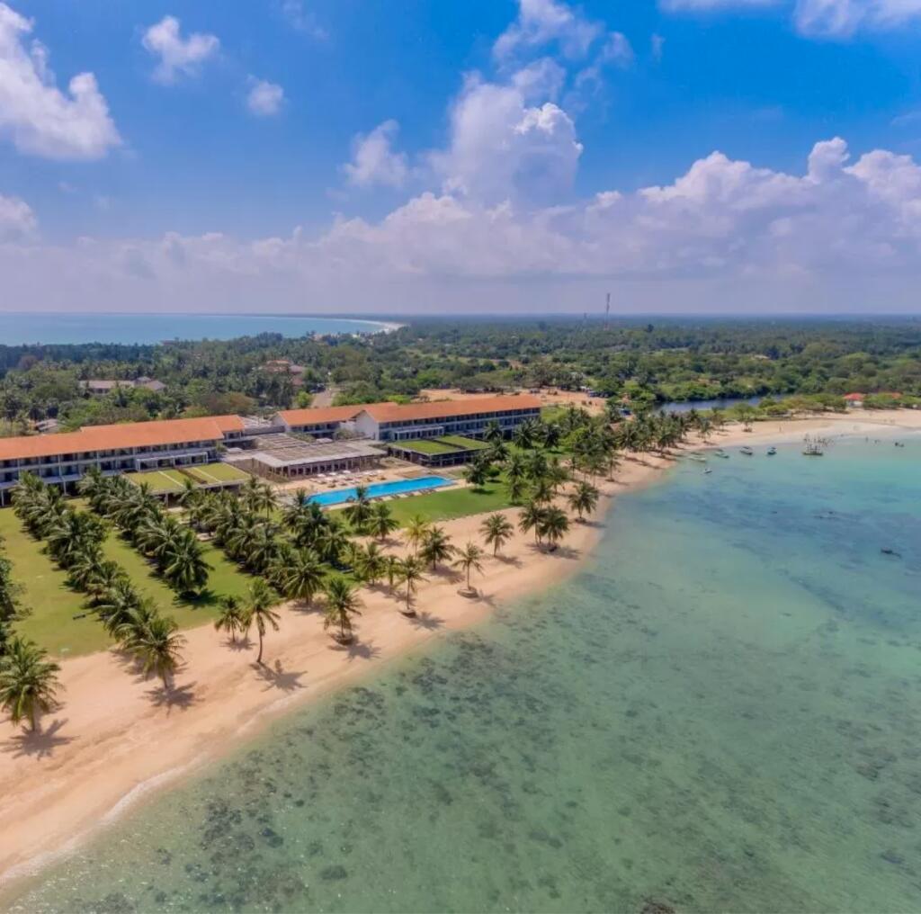 Sri Lanka: 7 Nächte - 4/5* Hotel Amaya Beach Pasikudah - 47qm Superior-Zimmer für 2 Personen / gratis Storno / bis Oktober 2021