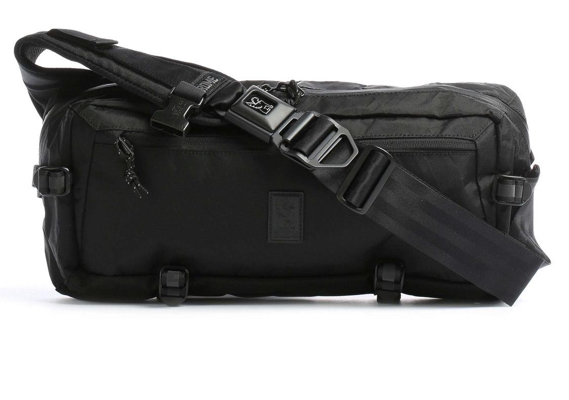 Chrome Kadet Nylon Slingbag/Tasche schwarz