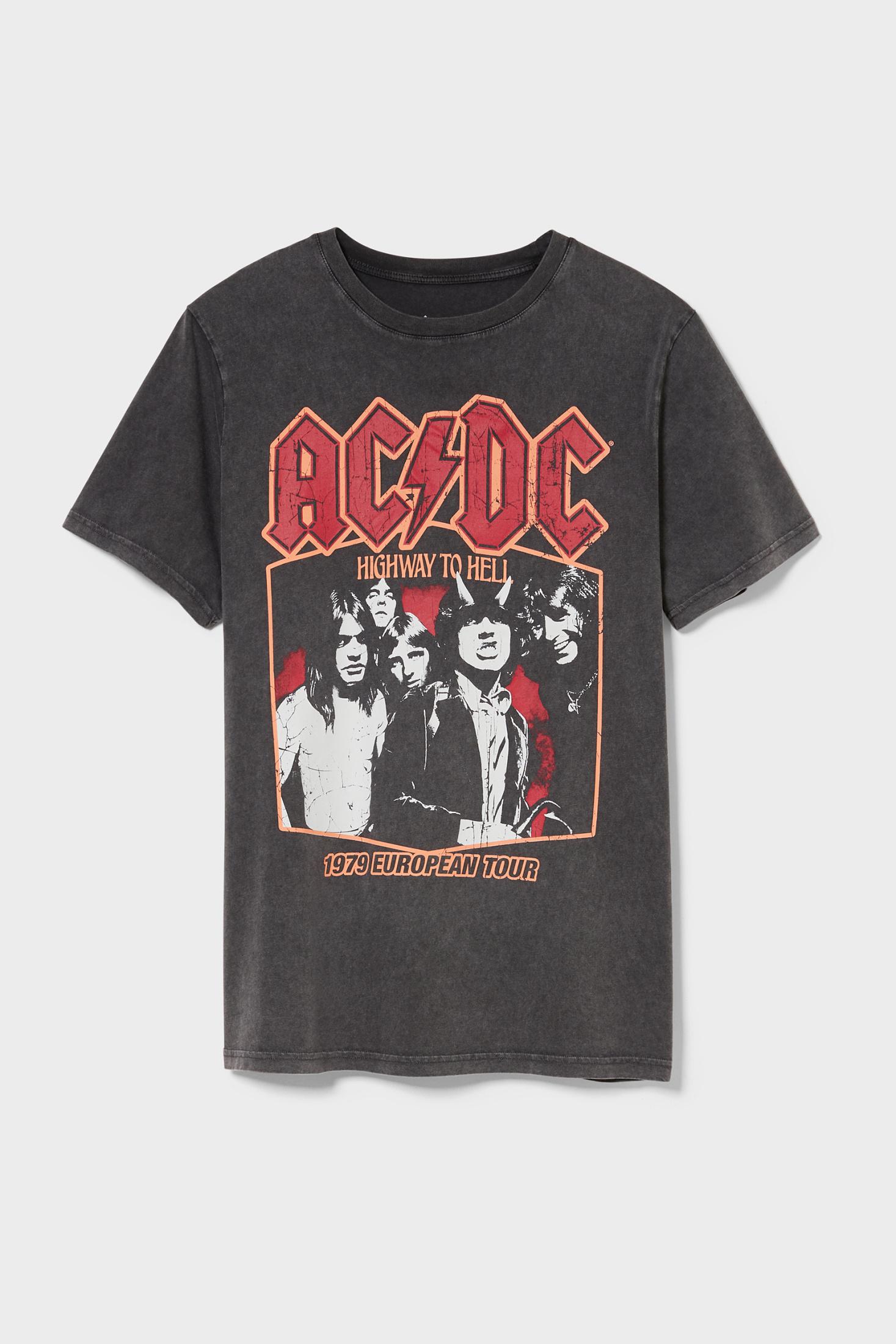AC/DC T-Shirt für nur 7,75€ inkl. Versand anstatt 12,90€ Gr. S - XXL vorhanden