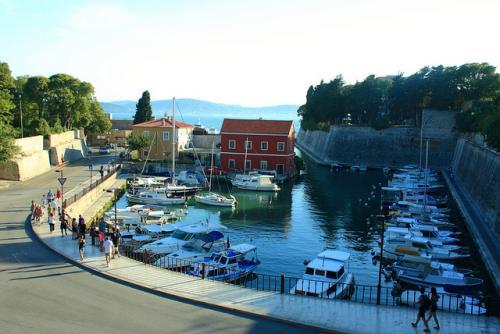 Reise: 5 Tage Zadar im 4* Hotel für 89€ pro Person inkl. Flügen! (2 Personen, April)