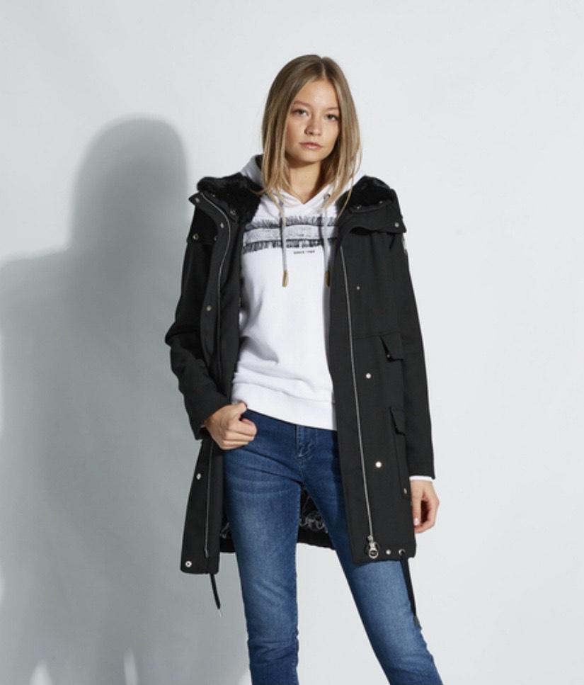 FASHIONESTA Sale bis zu 80%, z.B. Versace Jeans Jacke