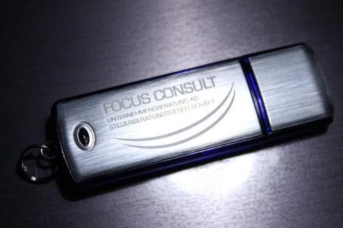 Facebook Fan  werden und ein 8 Gb USB Stick sichern
