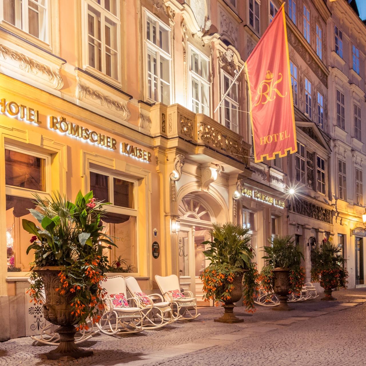 Wien: 4*S Schlosshotel Römischer Kaiser / Deluxe-Doppelzimmer inkl. Frühstück & Late-Check-Out / gratis Storno / bis Dezember 2021