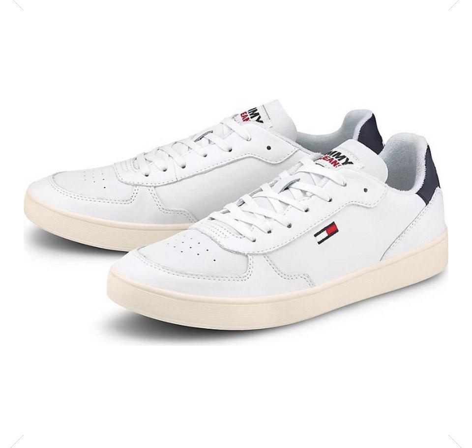 Tommy Jeans Essential Cupsole Herren Sneaker für 43,96€ (statt 50€)