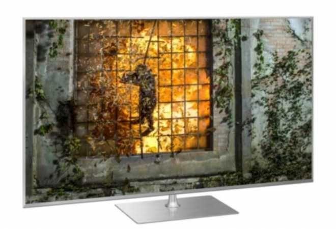 Panasonic TX-55HXX979 LED Fernseher 139,7 cm (55 Zoll) EEK: A+ 4K Ultra HD (Silber)