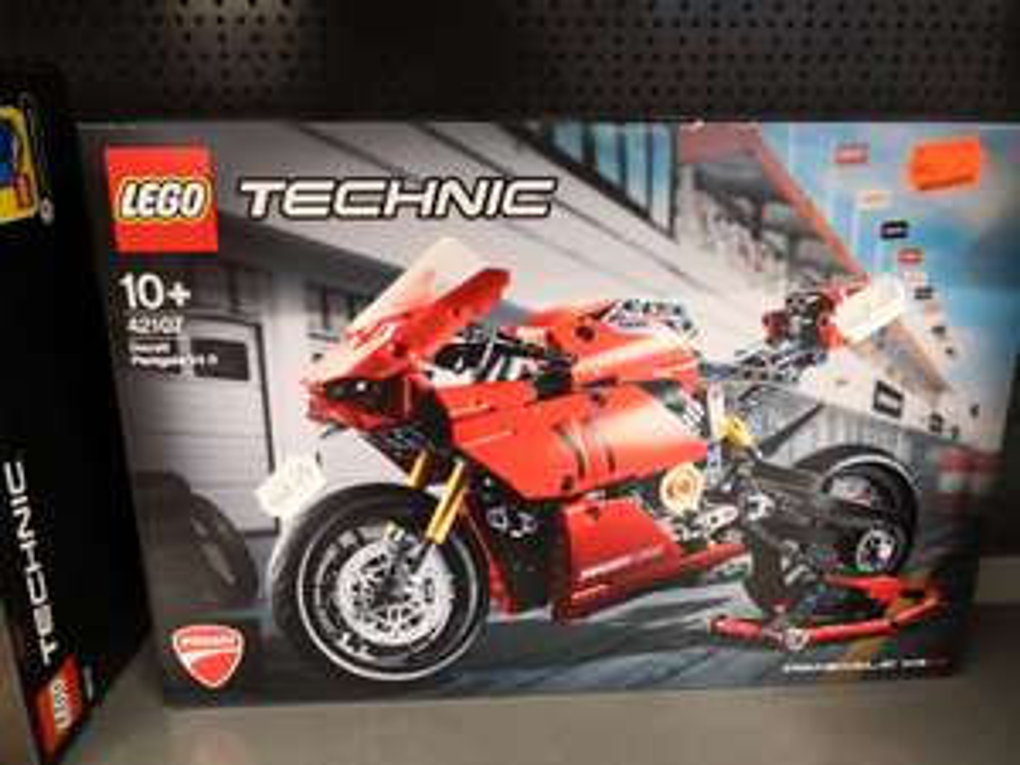 Lokal - Lego Technic Ducati 42107 - Kaufland Kulmbach