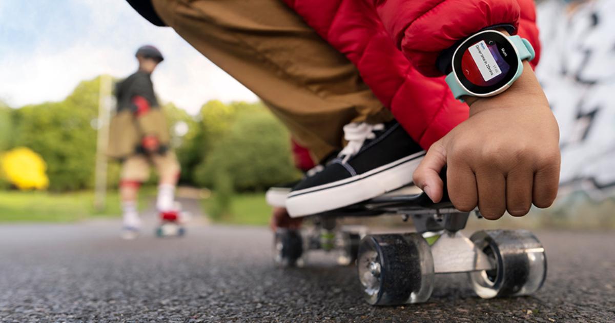 Neo | Die smarte Kids Watch - Smartwatch für Kinder von Vodafone & Disney (personalisiert)