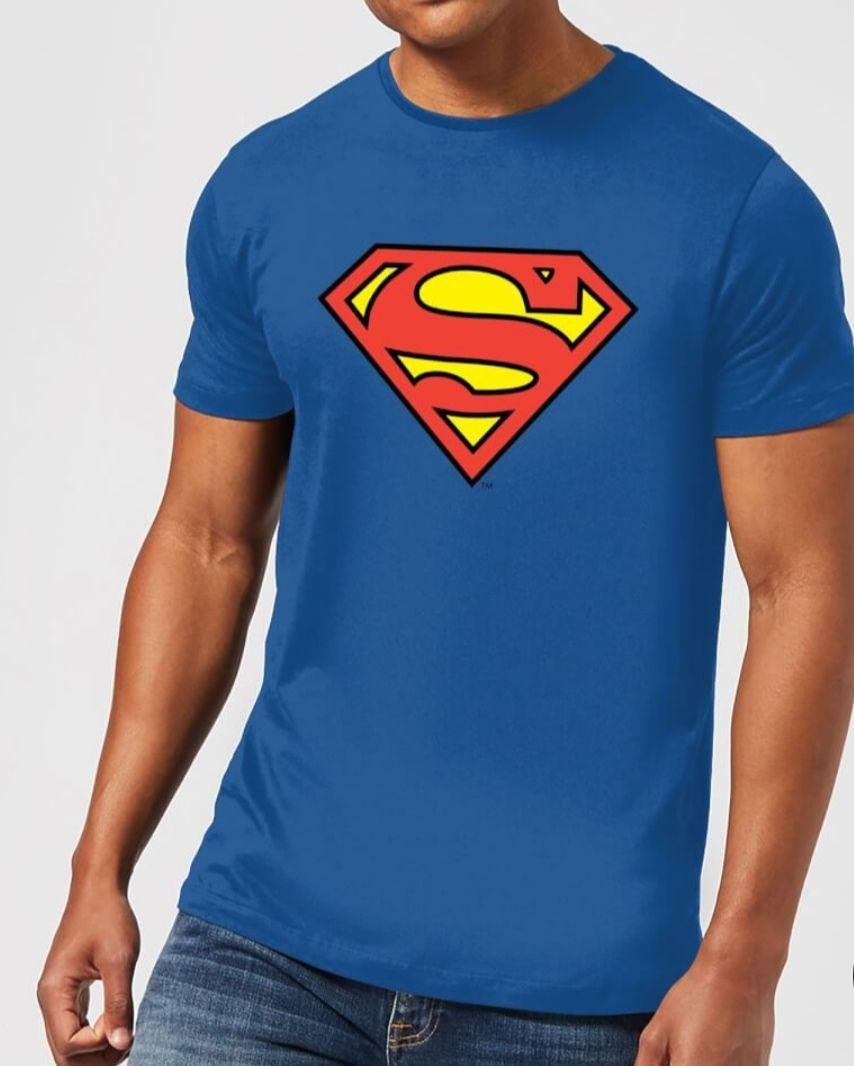 30% auf DC Kleidungskollektion + Gratis Lego DC Minifigures im Wert von 4,49€!!! BATMAN, SUPERMAN, FLASH,....